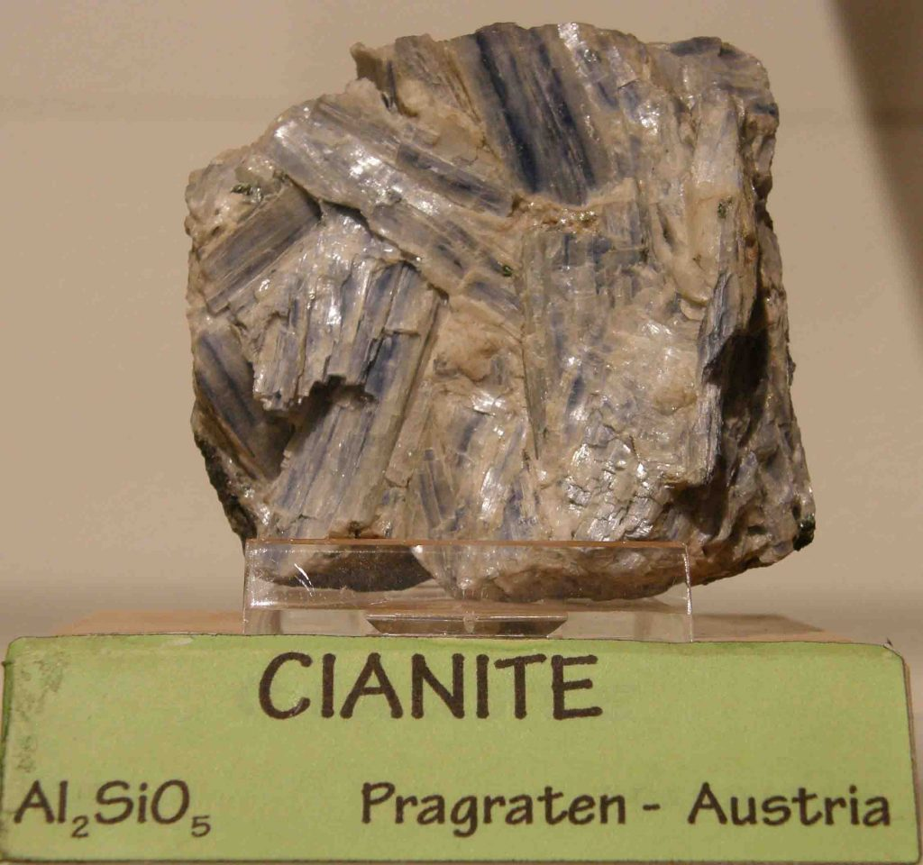 Fig 5 cianite