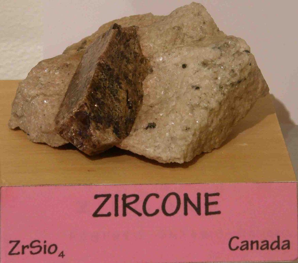 Fig 8 zircone